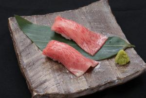 外苑前の焼肉屋で炙り寿司!